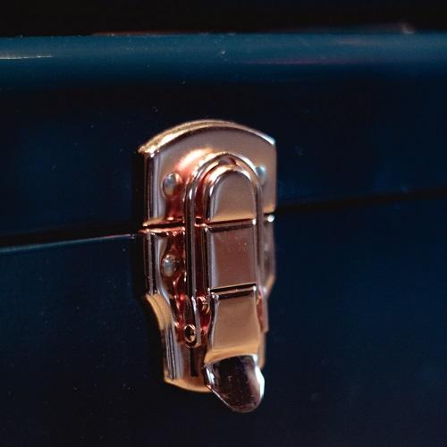 a suitcase clasp