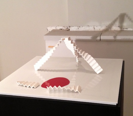 getrapt - fragiel white porcelain staircases