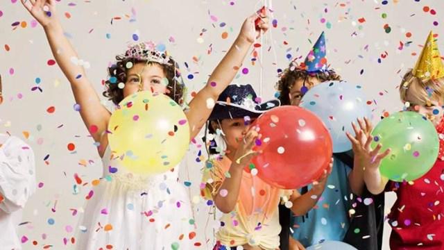 Festa infantil em condomínio com portaria remota.
