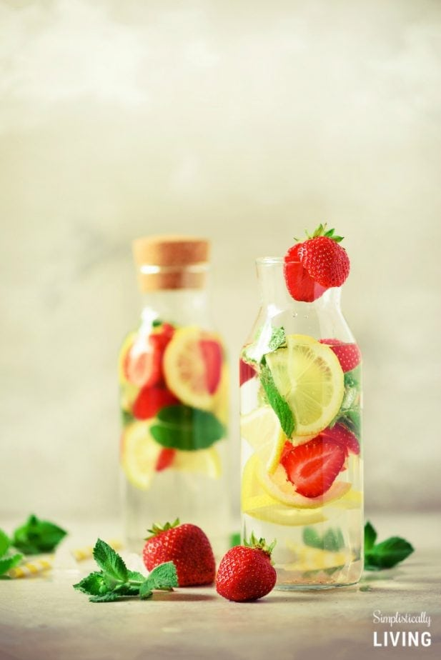 Infuse Water Lemon : infuse, water, lemon, Strawberry, Lemon, Infused, Water, Recipe, Detox