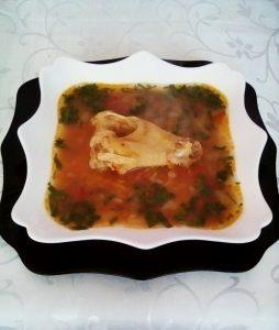 Ciorbiță cu tacâm de găină