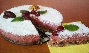 Tort raw vegan cu vișine
