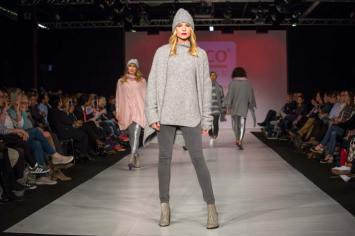Coole Looks brachte auch Rico Design auf den Laufsteg. Foto: Koelnmesse