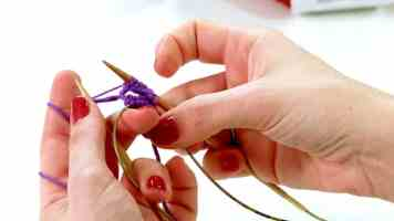 4 Ways to Crochet a Magic Ring - wikiHow | 200x356