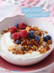 Rezept - Crunchy-Granola mit Beeren und Joghurt - Simply Kochen Sonderheft - Ernährung in der Schwangerschaft - mit Nina Kämpf von Mamaaempf