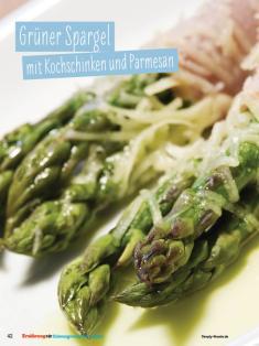 Rezept - Grüner Spargel mit Kochschinken und Parmesan - Simply Kochen Sonderheft - Ernährung in der Schwangerschaft - mit Nina Kämpf von Mamaaempf