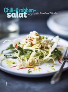 Rezept - Chili-Krabben-Salat mit gehobeltem Fenchel und Petersilie - Simply Kochen Sonderheft Salate to go