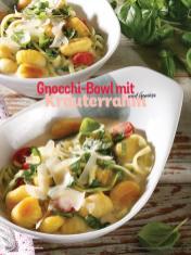 Rezept - Gnocchi-Bowl mit Kräuterrahm und Gemüse - Simply Kochen Sonderheft Sommerrezepte 01/2020