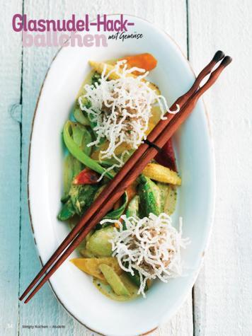 Rezept - Glasnudel-Hackbällchen mit Gemüse - Simply Kochen Nudeln 04/2020