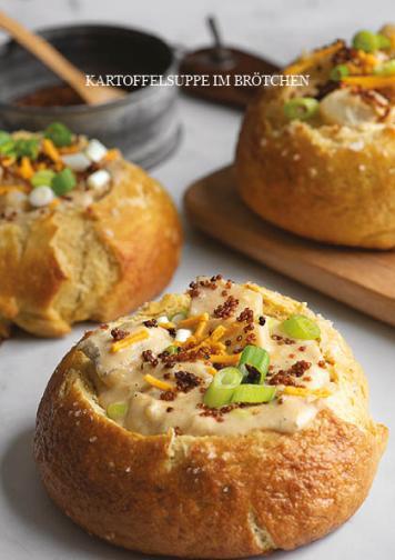 Rezept - Kartoffelsuppe im Brötchen - Vegan Food & Living Kompakt – 01/2021