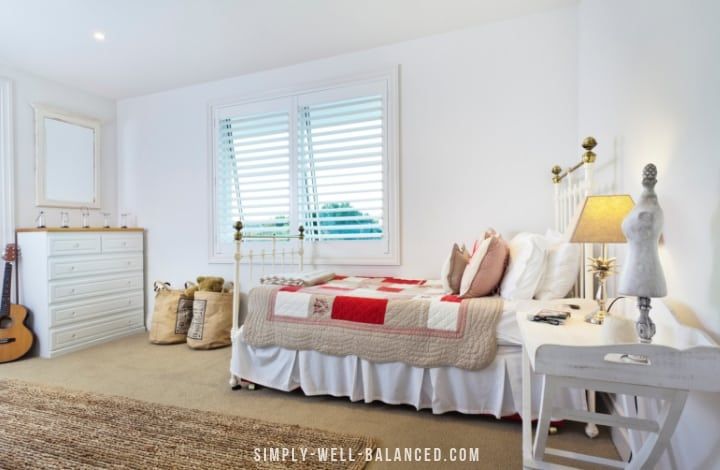 organized teen bedroom