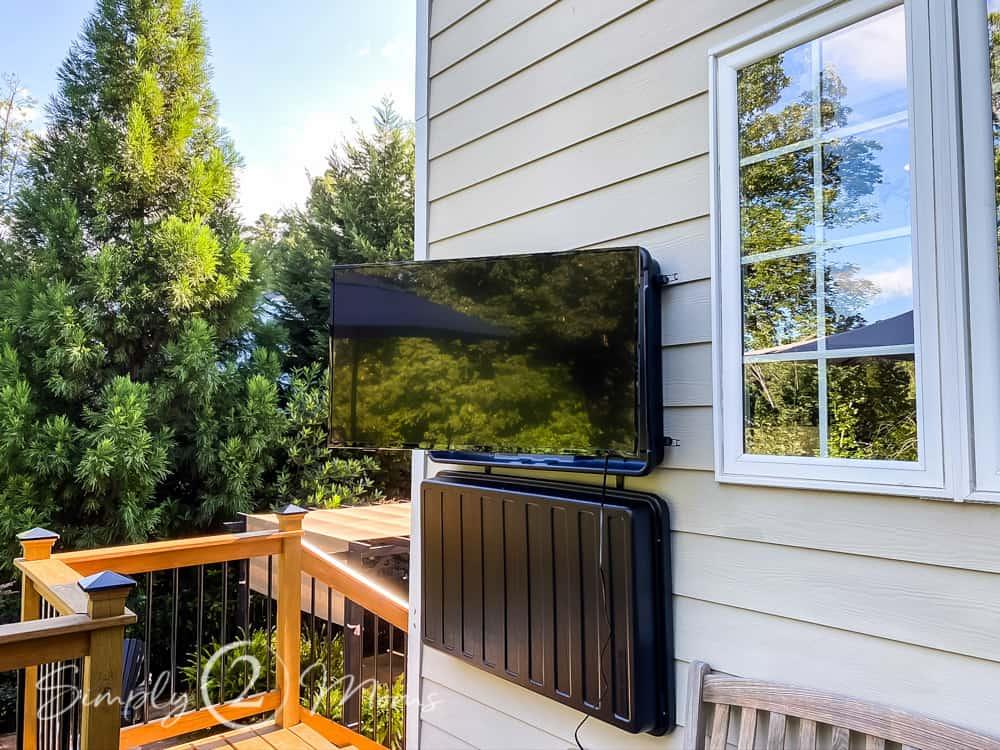 hanging an outdoor tv