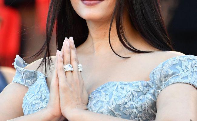 Cannes 2017 Aishwarya Rai Bachchan S Cinderella Gown