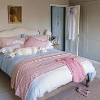 Pastel Blue/Pink in the Bedroom