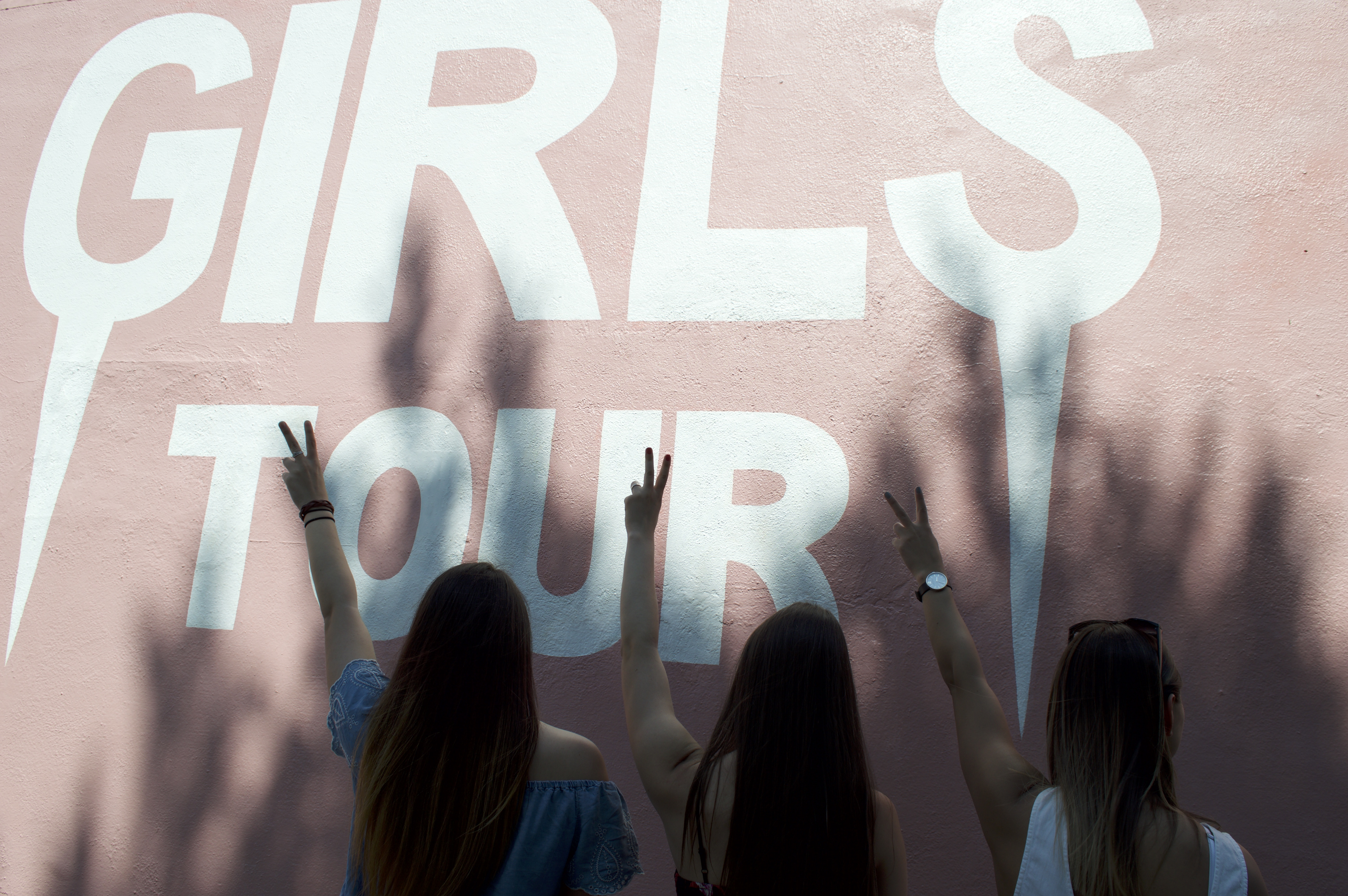 Girls Tour Wall on Melrose Ave.