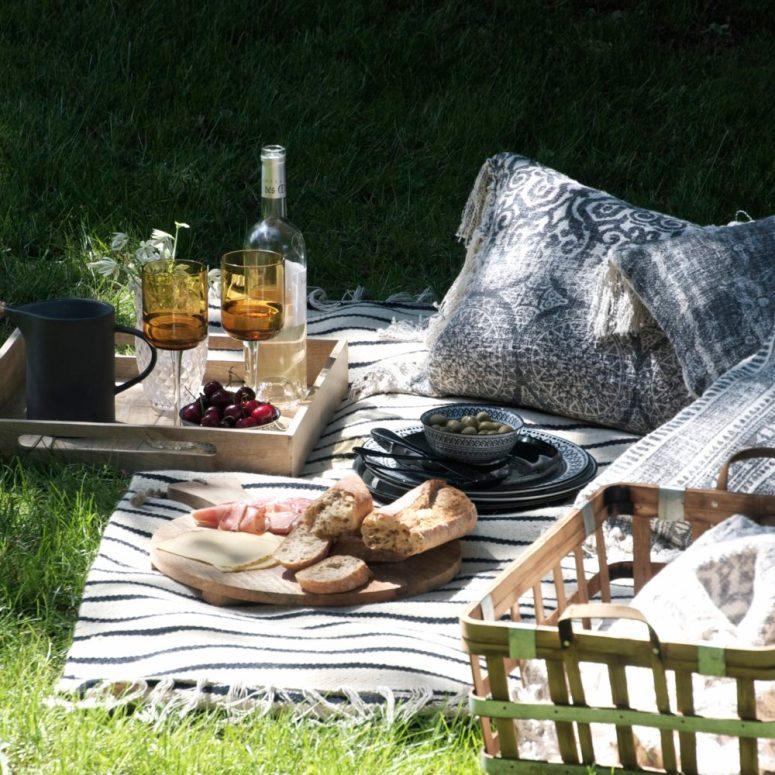 The Autumn picnic
