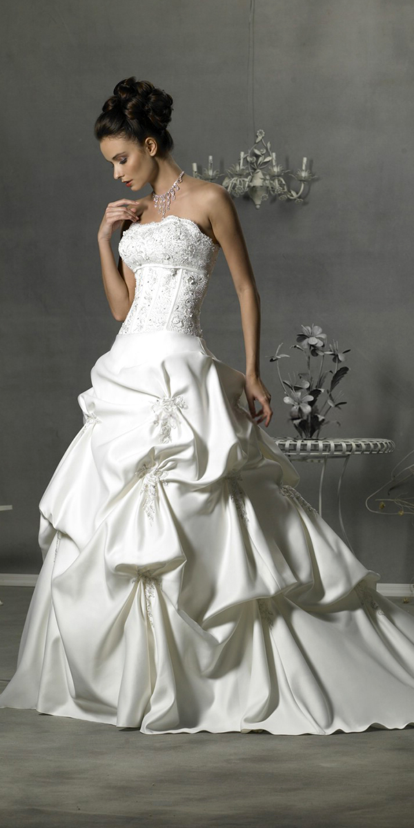 multi-layer embroidered ruffled wedding dress sexy womens bridal gowns