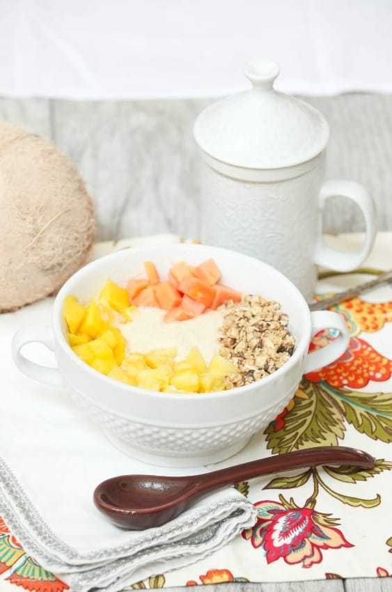 pina-colada-smoothie-bowl-5350