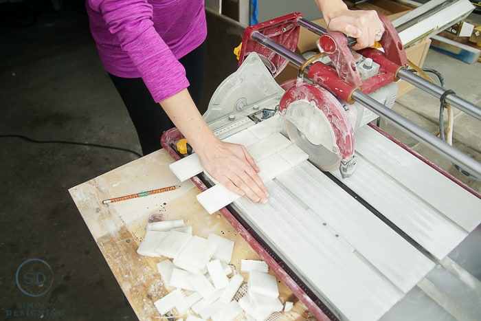 cut tile with tile saw