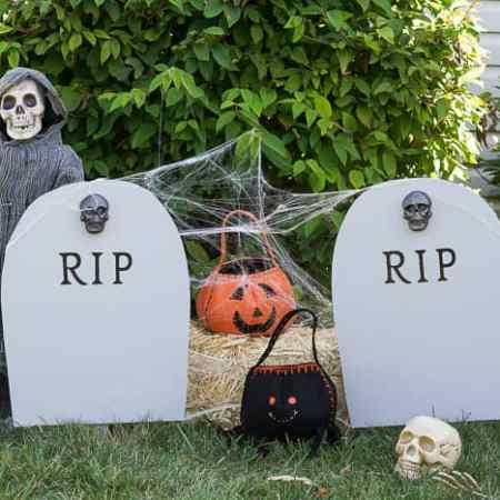 DIY Harvest Yard Sign : RIP Headstone Decoration