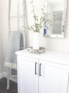 ideas and inspiration - bathroom vanity, mirror, towels