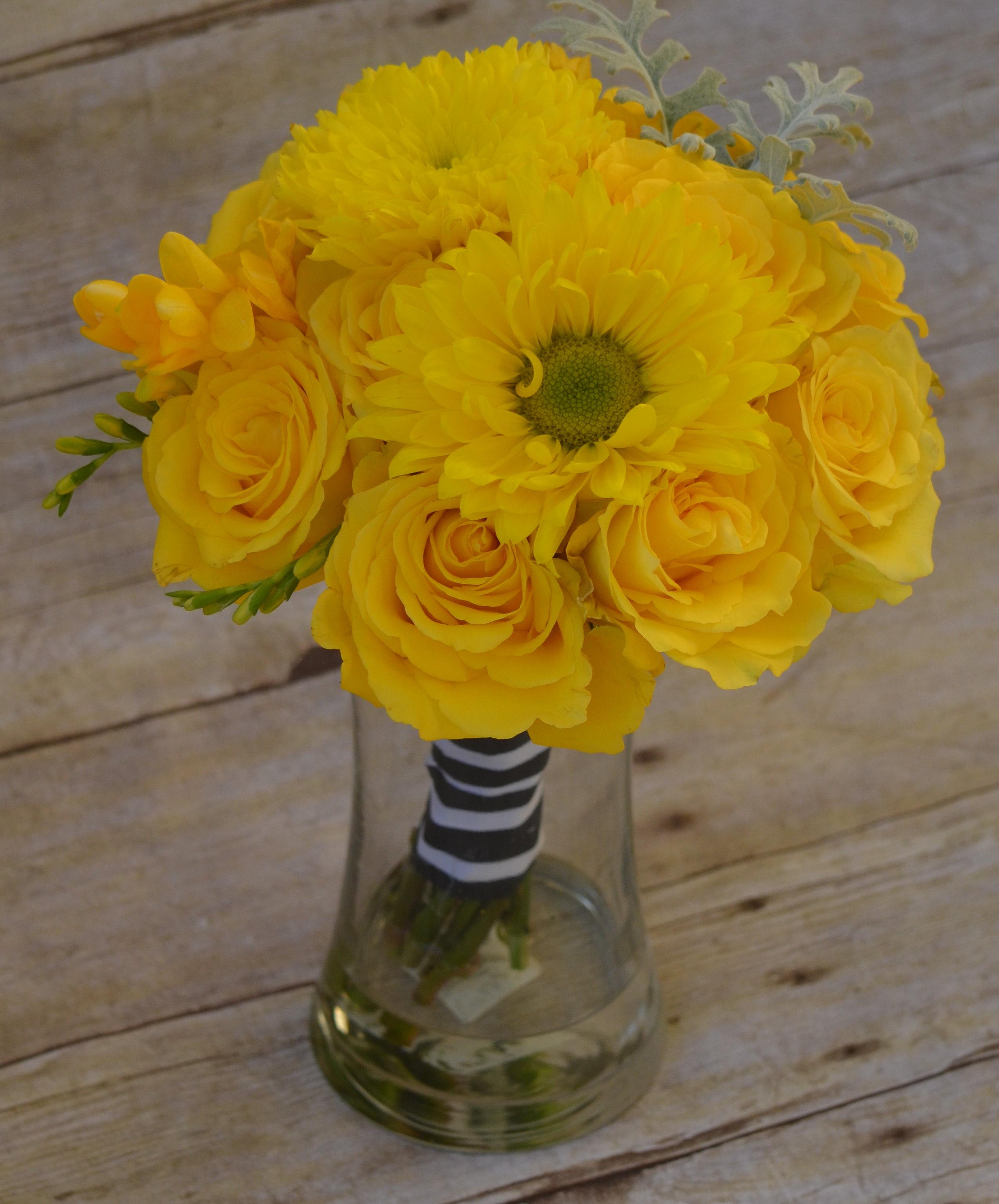 Wedding Flower Rentals: Bridal Flower Bouquets