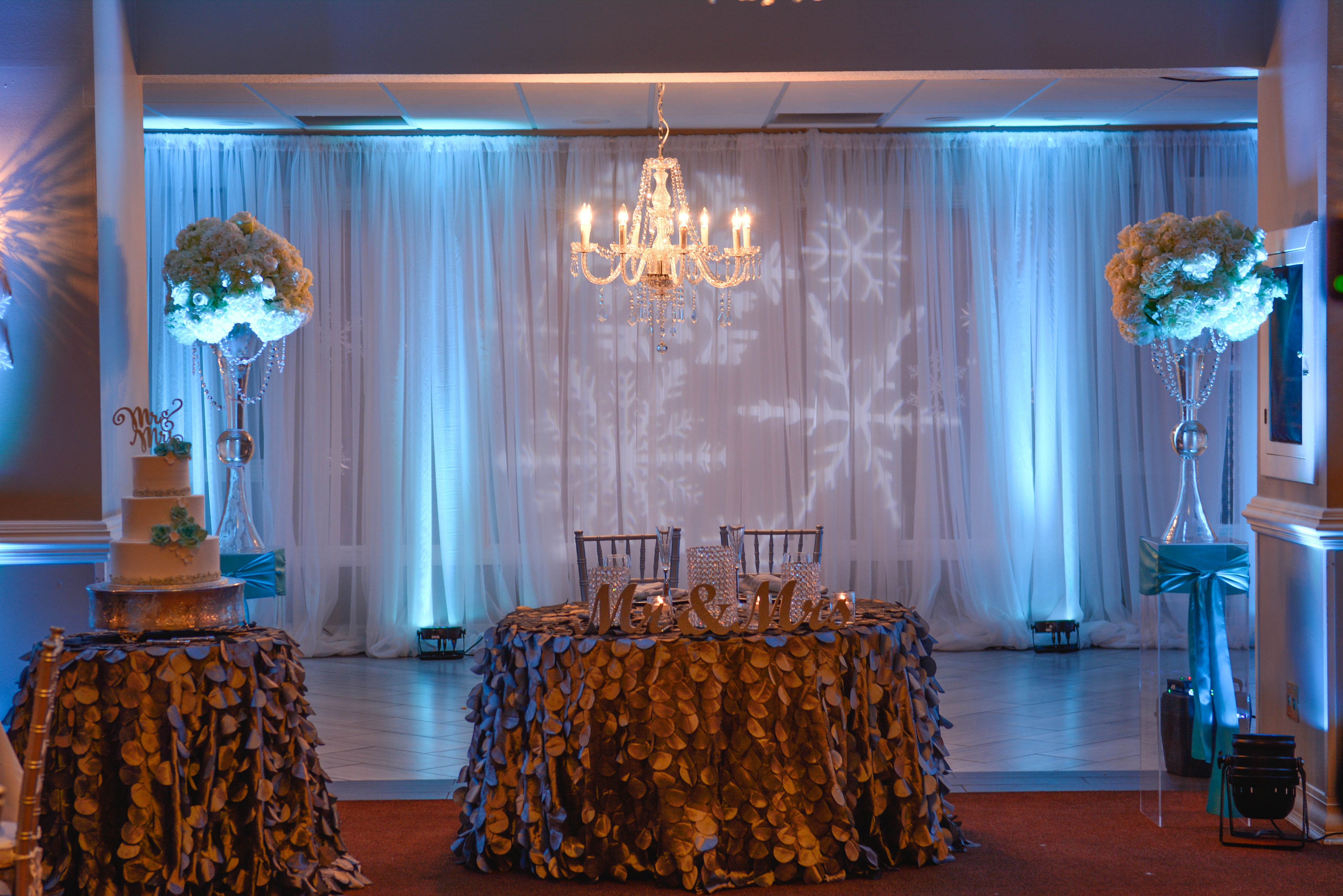 Tiffany wedding decor and flowers simply elegant for Home decor jacksonville fl