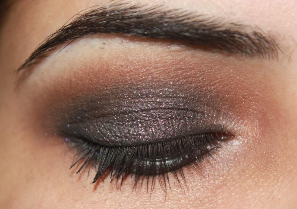 LORAC Pro palette : Grey Toned Purple Eye Look (3/3)
