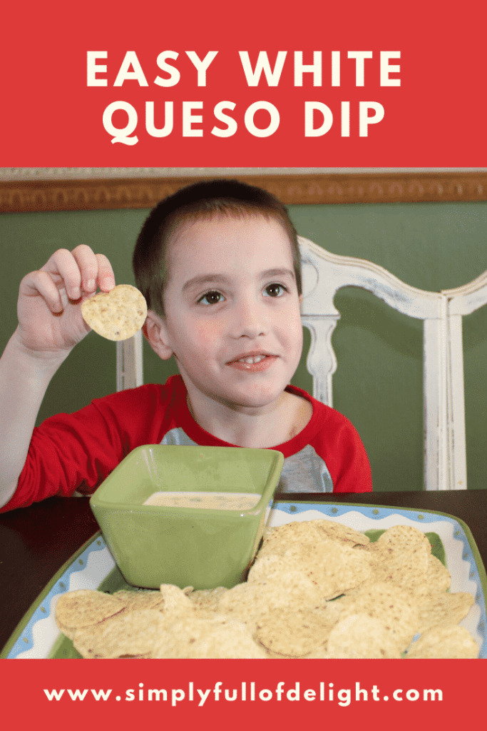 Easy Restaurant Quality White Queso Dip  - Super Fast!  Make it tonight!  #appetizers #whitequeso #superbowl #tacotuesday