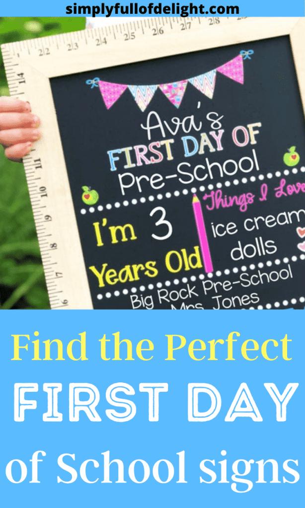 First Day Of School Chalkboards and printables  #firstdayofschool #backtoschool #schoolpics