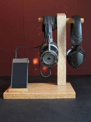 20 inspiration and Tips To Make DIY Headphone Stand