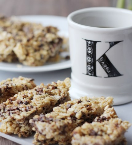 Homemade Chocolate Chip Granola Bars from Simply J and K