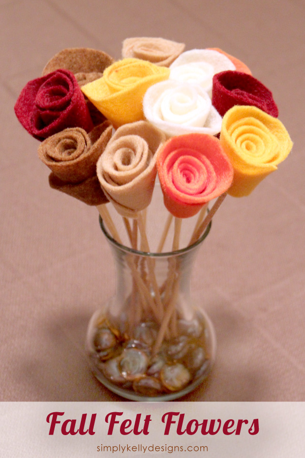 Create these fall felt flowers for a centerpiece, home decor item or hostess gift #flowers #felt #bouquet #Thanksgiving