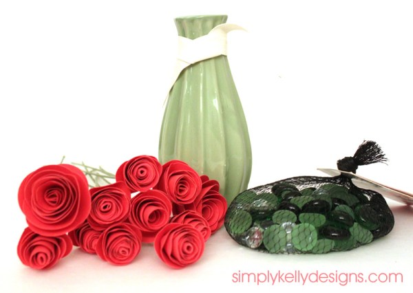 Step by step tutorial to create persimmon paper roses