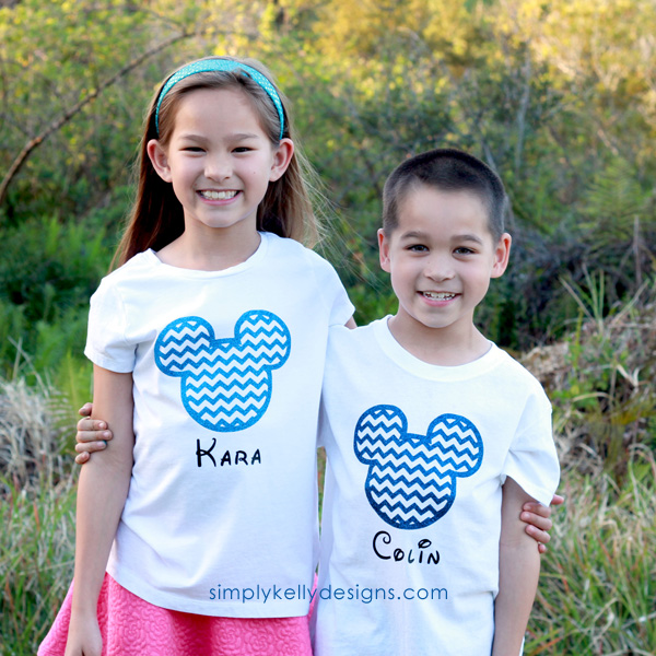 Learn how to use heat transfer vinyl and the Silhouette to create your own customized Mickey Mouse shirt for your Disney vacation!