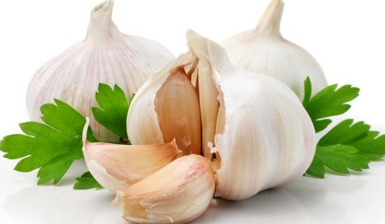 garlic to cure food poisoning