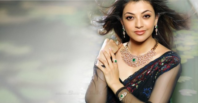 hot kajal with cute smileHd wall paper