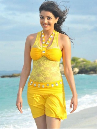 kajal agrawal beach side HD wall paper