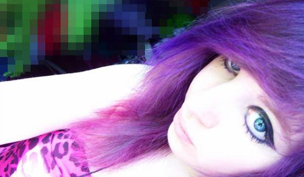 purple emo hairstyle for medium hair