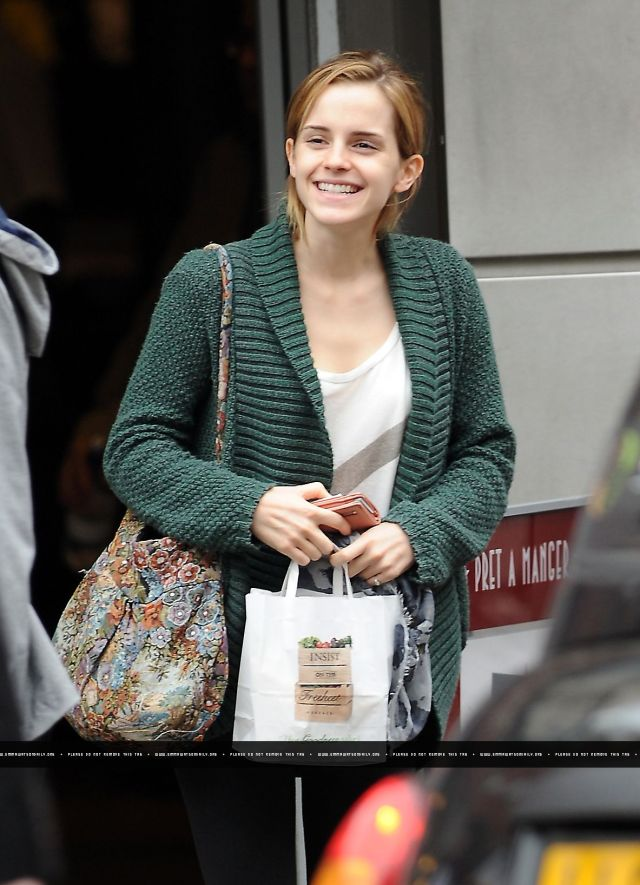 emma watson after shopping