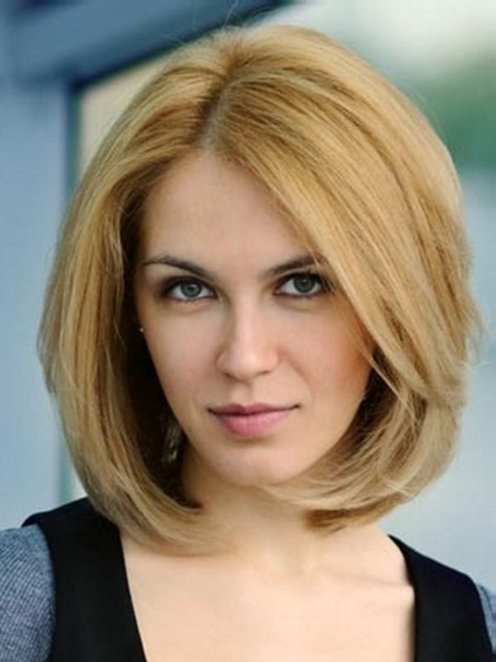 blonde blunt hairstyle for women over 50