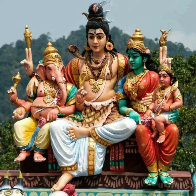 lord ganesha with his family