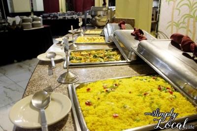 SeaGarden Resort- buffet dinner1