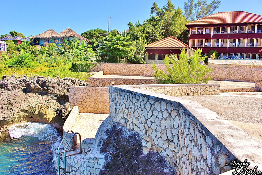 Peaceful Cliff Side Getaway at Le Mirage Resort