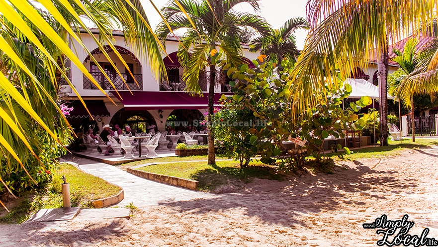 Charela Inn: Beachfront Hotel, Restaurant & Live Music