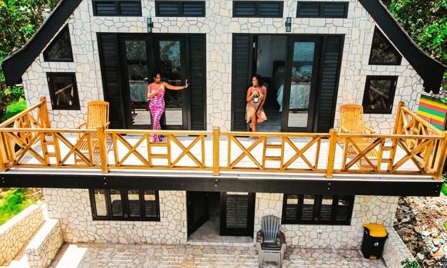 Poet Reef's Waterfront Villa Escape