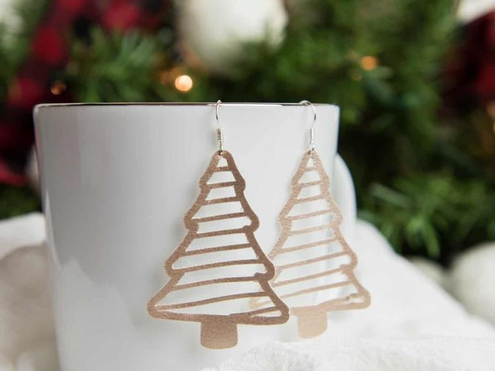 It's always fun to put up the holiday tree, but taking it down? Faux Suede Christmas Tree Earrings Simply Made Fun