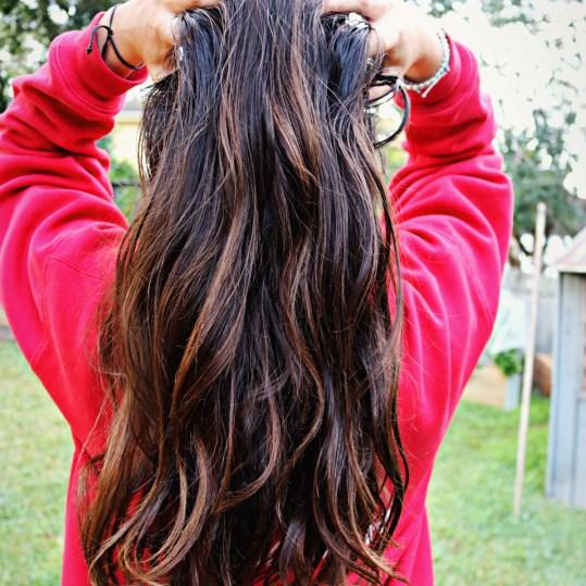 oily hair shampoo pic