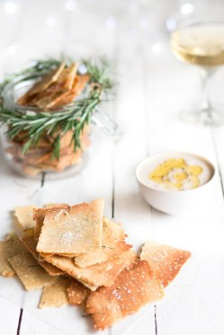 christmas-recipe-countdown-rosemary-and-sea-salt-grain-free-crackers