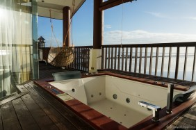 A jacuzzi bath is perfect come sunset